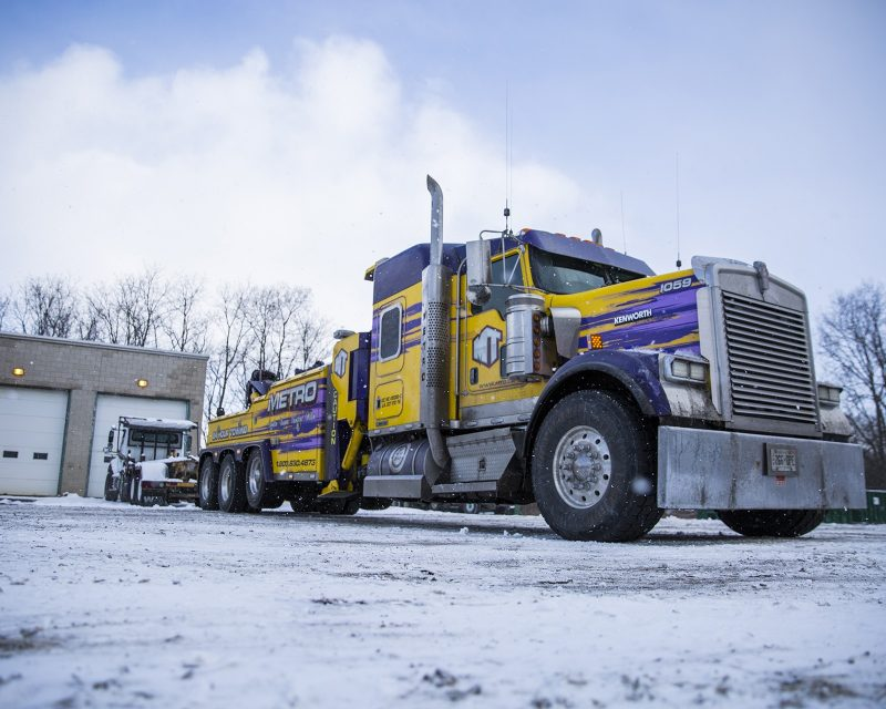 Metro Truck Group Offers The Best Truck Towing Service In Ontario